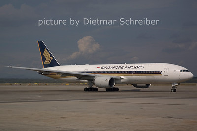 2006-07-29 9V-SVN Boeing 777-200 Singapore Airlines