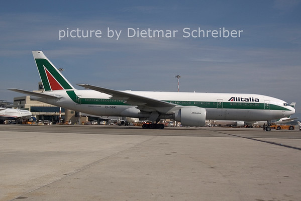 2006-07-29 EI-DBK Boeing 777-200 Alitalia