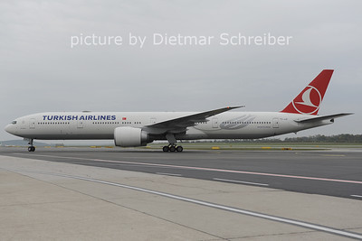 2012-10-26 TC-JJF Boeing 777-300 THY