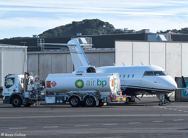Bombardier Challenger 604, N360SL at Wellington, 24 February 2018