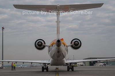 2011-04-18 EC-LJR CRJ1000 Iberia