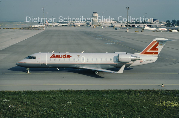 2000-08 OE-LRG Bombardier Regionaljet 100LR (c/n 7063) Lauda Air