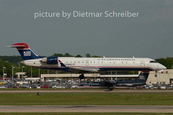 2008-04-24 N703PS Regionaljet 700 US Airways Express