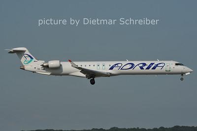 2011-06-10 S5-AAK Regionaljet 900 Adria Airways