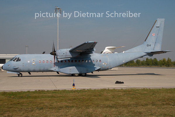 2009-09-23 014 CASA 295 Polish Air Force