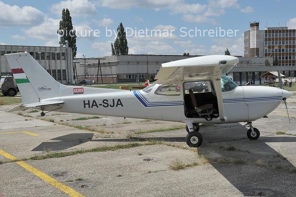 2011-06-25 HA-SJA Cessna 172