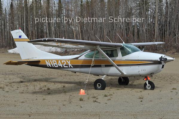 2012-05-13 N1842X Cessna 182