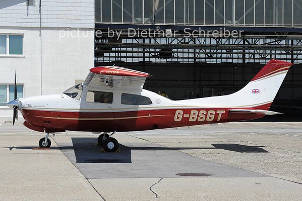2012-06-05 G-BSGT Cessna 210