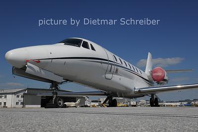 2011-05-30 A6-GJA Cessna 680