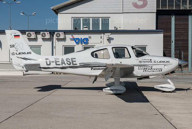 2015-10-02 D-EASE Cirrus SR20
