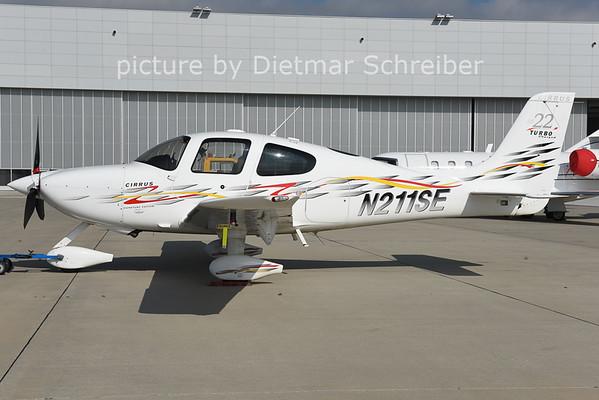 2014-10-09 N211SE Cirrus SR22