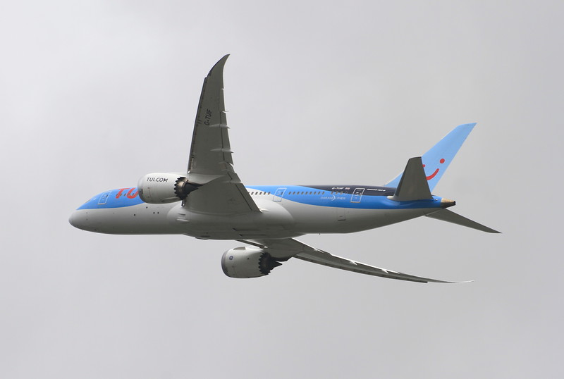 G-TUIF Thomson Airways