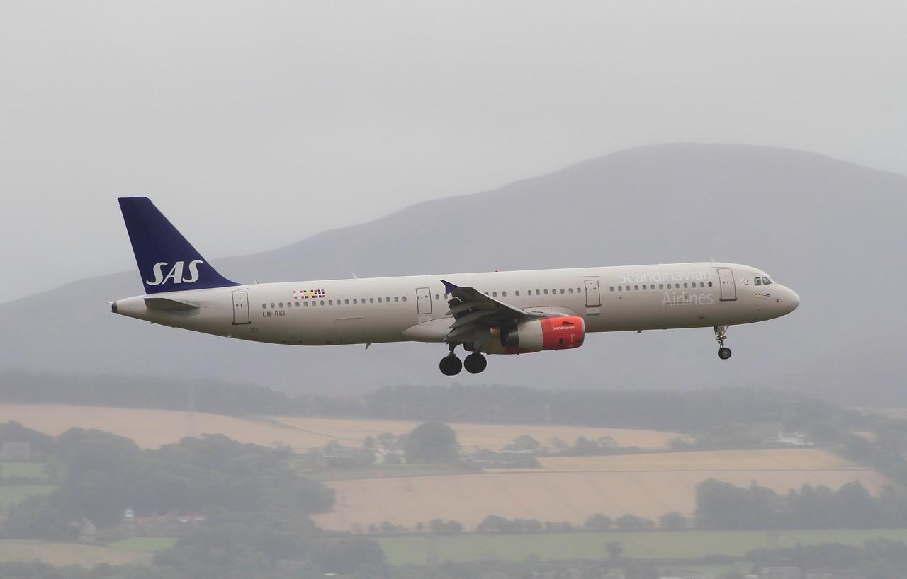 LN-RKI Scandinavian Airlines