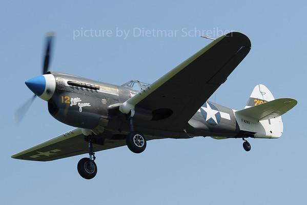 2013-09-07 F-AZKU Curtiss P40