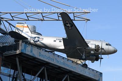 2020-09-11 49-0951 Douglas DC3