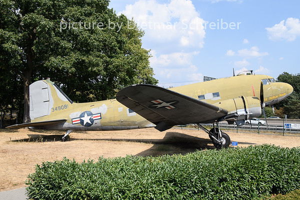 2020-08-09 N1350M (43-49081) Douglas DC3