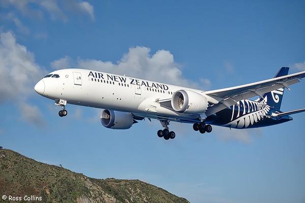 Air New Zealand Dreamliner at Wellington, 31 May 2019