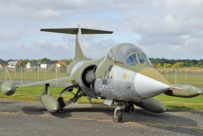 "Luftwaffenmuseum der Bundeswehr at the former airbase of Berlin-Gatow on September 15, 2012. Luftwaffe Lockheed TF-104G Starfighter ""27+90"" (cn 583F-5920)."