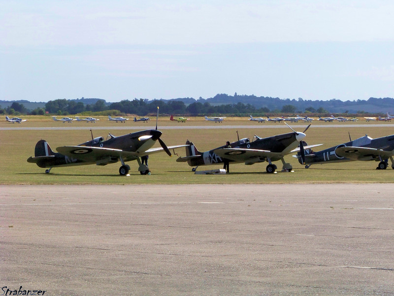 Supermarine Spitfire MkI G-CGUK KL-A and<br /> Supermarine Spitfire LF Mk Ia G-AIST  XR-O