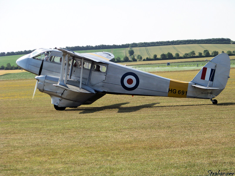 de Havilland Dragon Rapide DH.89 G-AIYR HG691<br /> Duxford, UK, 07/11/2015<br /> This work is licensed under a Creative Commons Attribution-<br /> NonCommercial 4.0 International License