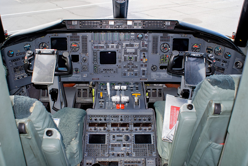 Flightdeck of a Canadian Armed Forces Canadair CC-144B Challenger. On this flight the call sign was CanForce 1 as Prime Minister Stephen Harper was on board.