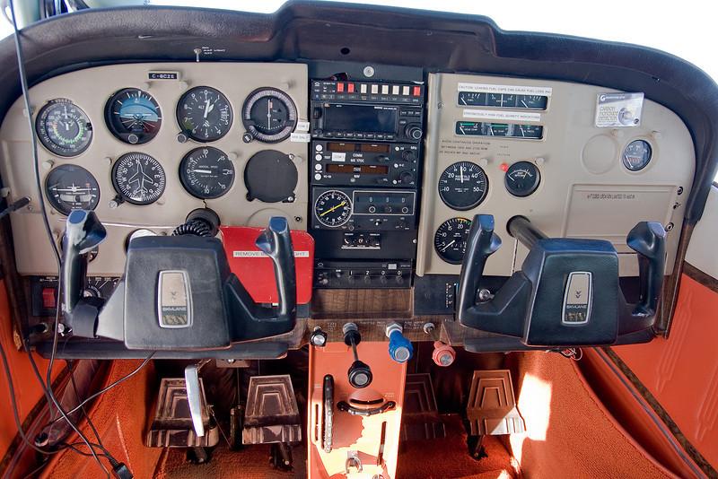 Cessna 182P (built 1974).