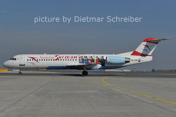2011-10-19 OE-LVM Fokker 100 Austrian Airlines