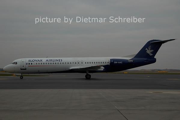 2006-12-22 OM-AAC Fokker 100 Slovak AIrlines