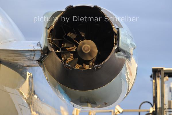 2011-10-12 OE-LVB Fokker 100 Austrian Arrows