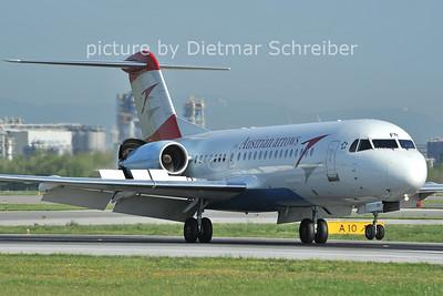 2011-08-05 OE-LFR Fokker 70 Austrian Arrows