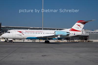 2011-02-24 OE-LFL Fokker 70 Austrian Arrows
