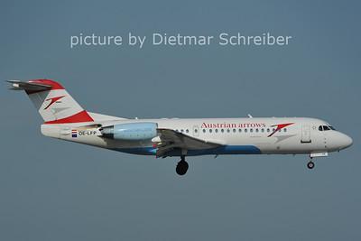 2011-06-10 OE-LFP Fokker 70 Austrian Arrows