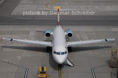 2011-04-25 OE-LFH Fokker 70 Austrian Arrows