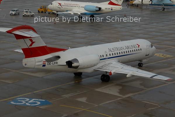 2006-12-05 OE-LFR Fokker 70 Austrian AIrlines