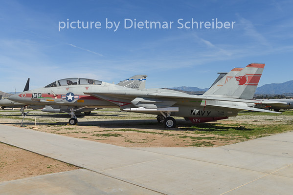 2015-02-11 157990 F14 US Navy