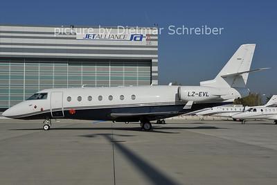 2011-10-18 LZ-EVL Gulfstrem 200