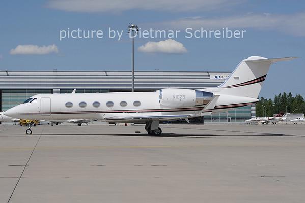 2012-06-08 N1625 Gulfstream 4