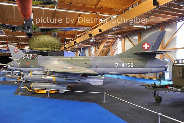 2011-06-11 J-4152 Hunter Swiss Air Force
