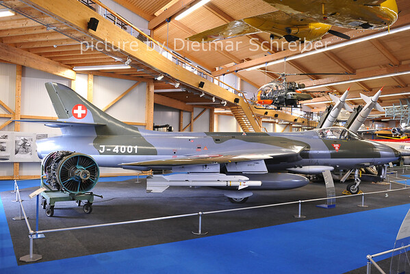2011-06-11 J-4001 Hunter Swiss Air Force