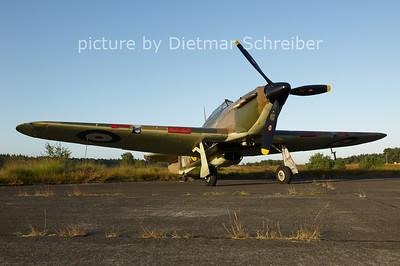 2012-08-16 G-HURY / Z5140 Hawker Hurricane