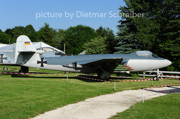 2014-06-09 VB-136 Hawker Seahawk