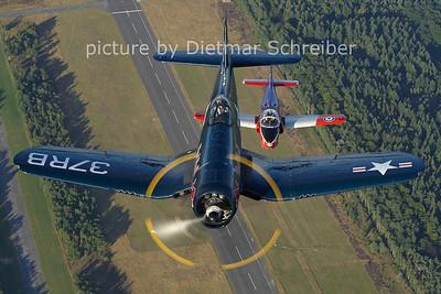 2012-08-17 OE-EAS Vought F4 Corsair Flying Bulls / G-JPVA Jet Provost