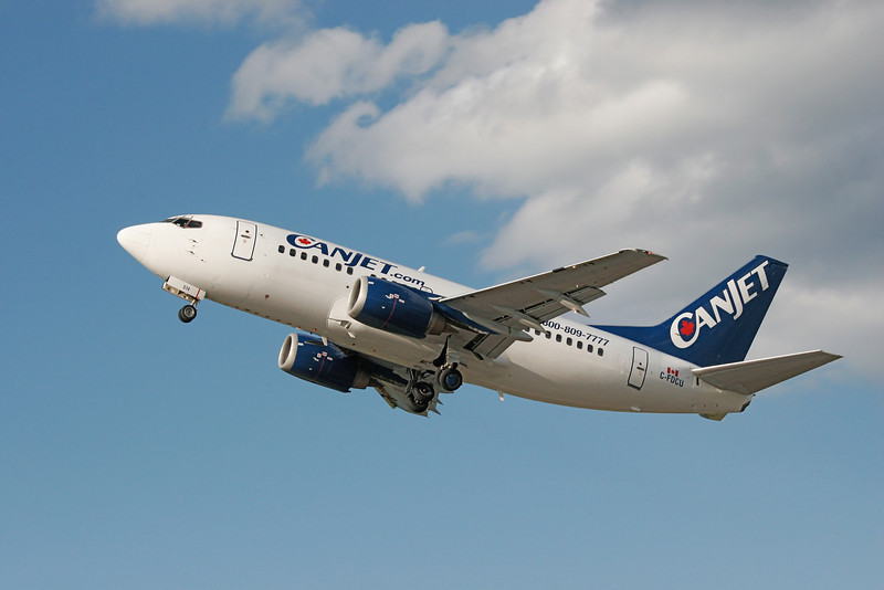 CanJet Airlines leaving Dryden, after dropping off 45 firefighters coming home from Quebec, in a Boeing 737-522.