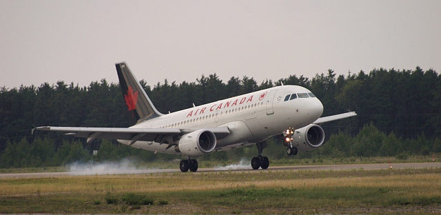 Air Canada comming into Dryden to pickup (or drop off) MNR firefighters.