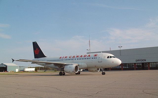 An Air Canada Airbus waiting for passengers.