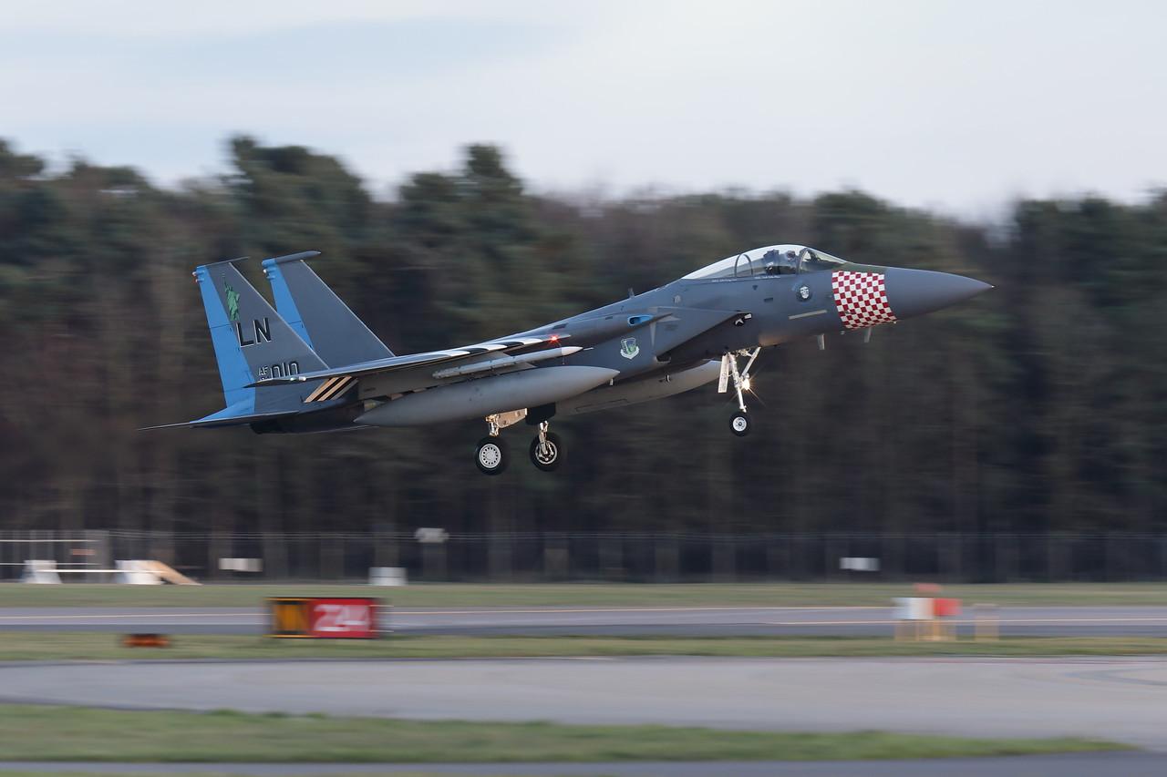 IMAGE: https://photos.smugmug.com/Aircraft/Jets/i-fMdQR6b/0/89d8b740/X2/00019938-X2.jpg