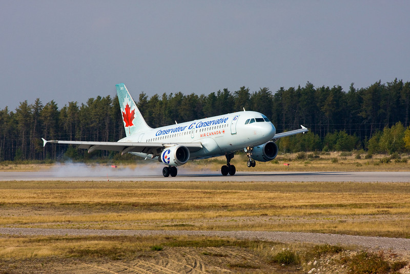 Canadian Prime Minister Stephen Harper lands in Dryden in a Airbus A319-114 (September 22nd, 2008).