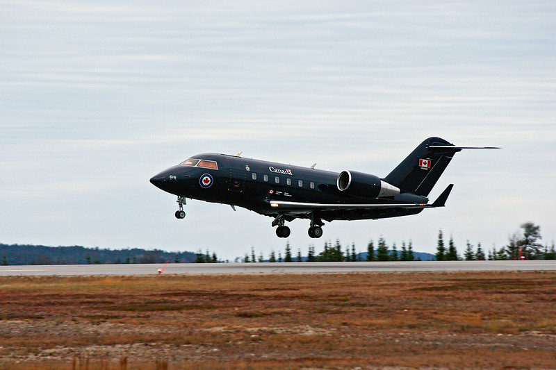CanForce 1, a Canadair CC-144B Challenger, about to land at the Dryden regional Airport with Stephen Harper, Canada's Prime Minister.