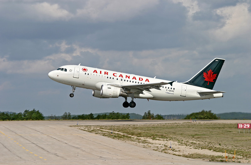 Another Air Canada Airbus A319 leaving Dryden.