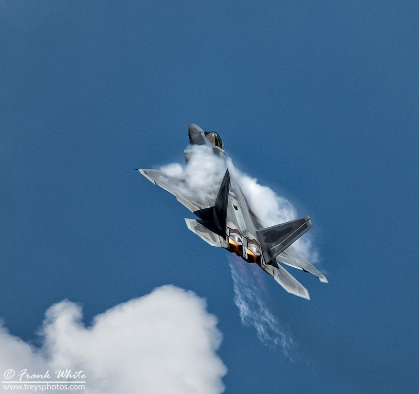 F-22 Raptor vertical climb